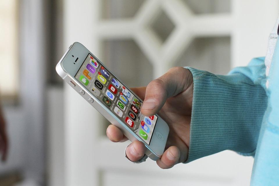 In Francia il pacchetto di Iliad-Free con 50Gb e minuti illimitati in 100 Paesi costa 19 euro al mese