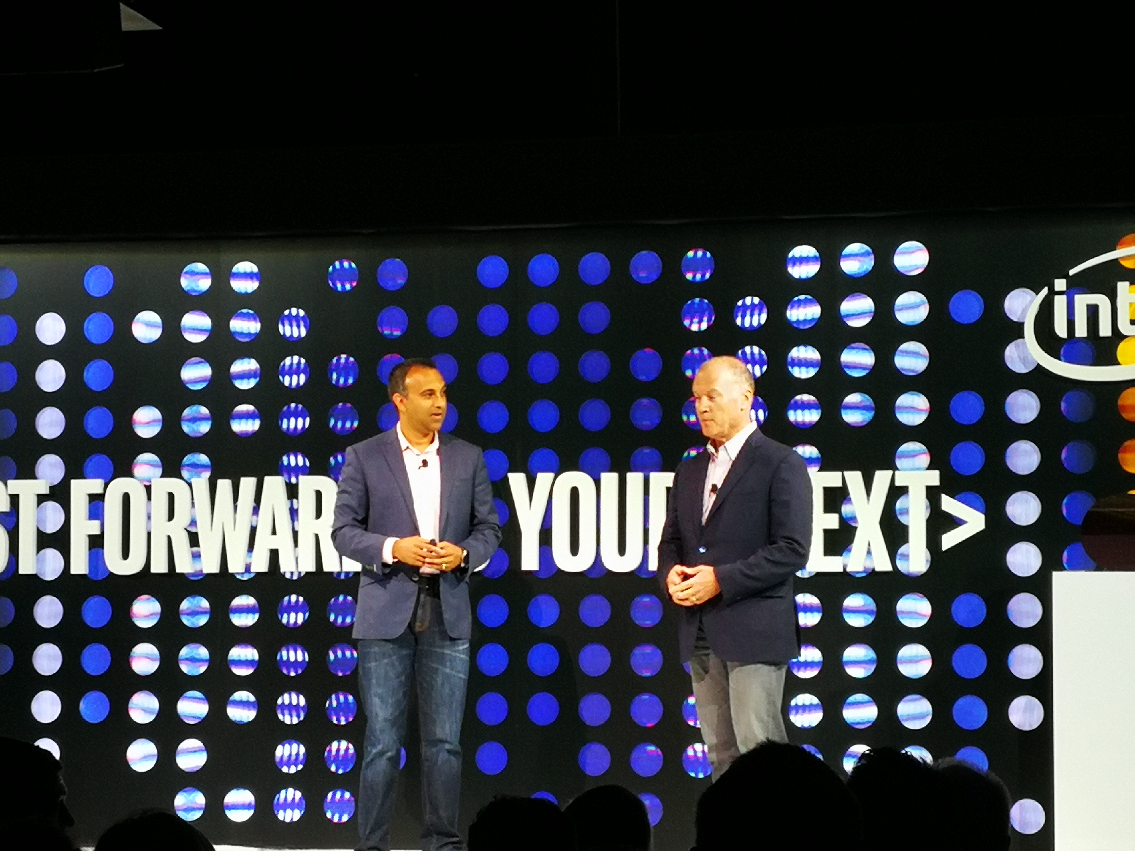 Navin Shenoy e John Donovan, chief strategy officer e group president Technology and Operations di AT&T
