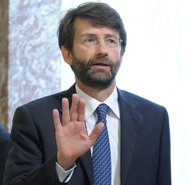 E-book, passa l'emendamento del Governo: Iva al 4% - CorCom