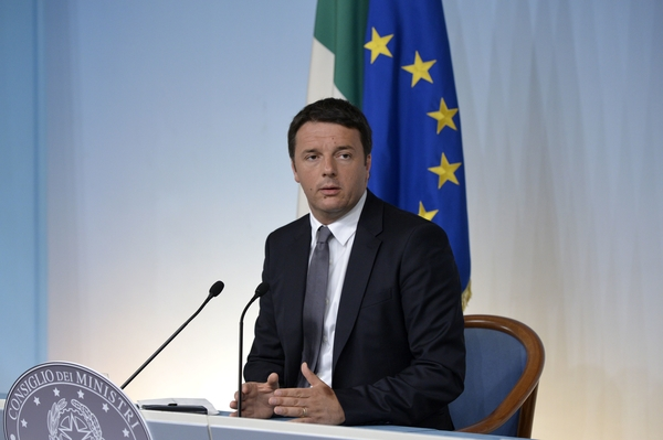"Renzi: ""La banda larga ci serve come il pane"" - CorCom"