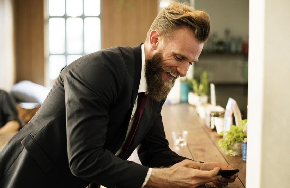 Dating online per uomo ricco Sto uscendo un quiz custode